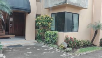 $900, Apto en Condominio, Trejos Montealegre, Escazu
