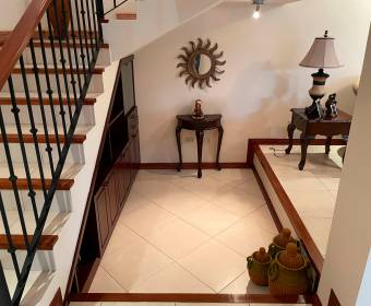 Hermosa casa en condominio en Escazú