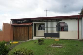 Casa en venta en San Rafael de Heredia #21-174