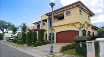 Casa en venta en Rio Oro #21-468