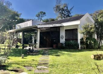 Casa en venta en San Isidro #21-898