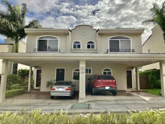 Casa en venta en Guachipelin #21-557
