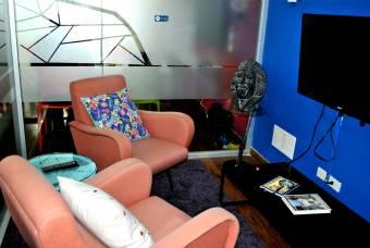 CityMax alquila moderna oficina amueblada en Sabana Sur