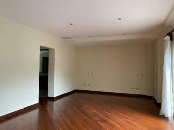 Venta de Casa en Escazú Centro. 21-529a