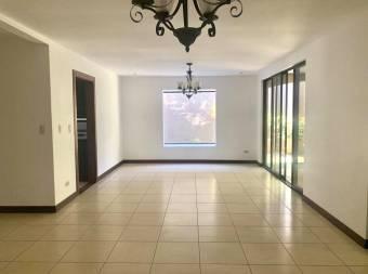 Alquilo hermosa casa en condominio ubicada en Guachipelín, Escazú!