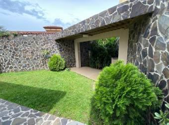Venta de Casa en San Rafael de Escazú. 21-289a