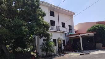 se vende excelente casa en mercedes oportunidad de inversion 20-432