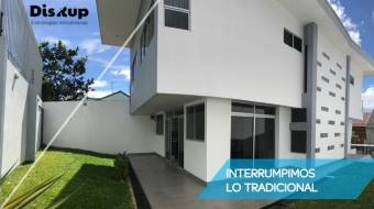 Beautiful house for sale in Ayarco, Curridabat
