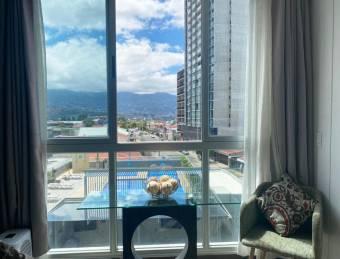OFERTA! Apartamento en U Nunciatura - $15,000 menos del valor de mercado!