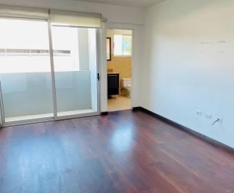 Hermoso apartamento en La Uruca. Remate bancario.