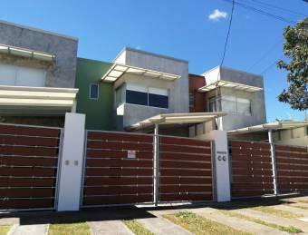 Venta Casa con diseño MARAVILLOSO y MODERNO en Tres Ríos.