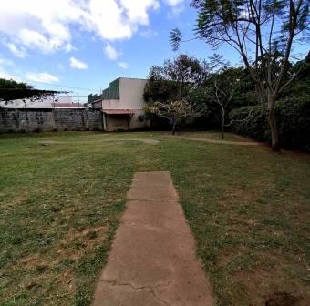 TERRAQUEA Hermosa casa en una planta en residencial cerca de Universidad Fidélitas.