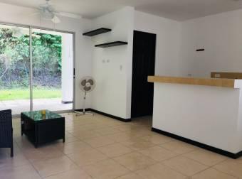 TERRAQUEA Excelente precio .¡¡casa sin muebles en Herradura, condominio privado.