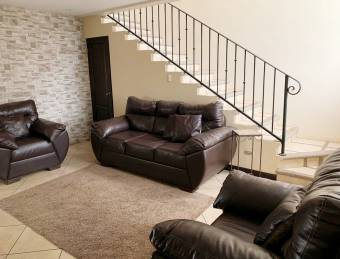 TERRAQUEA WIDE PROPERTY WITH FINISHES FINISHED IN VERY SAFE RESIDENTIAL!