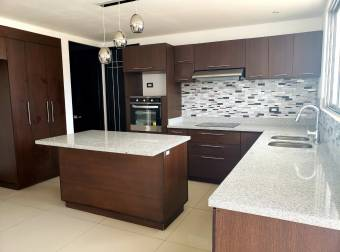 TERRAQUEA Beautiful and Large Property With Fine Finishes and at the Opportunity Price