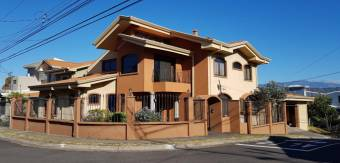 RS Vende Bella Casa en Heredia Listing 19-380