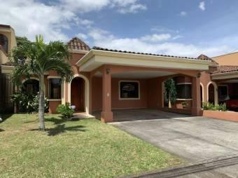 RS Vende Hermosa Casa en Heredia Listing 20-534