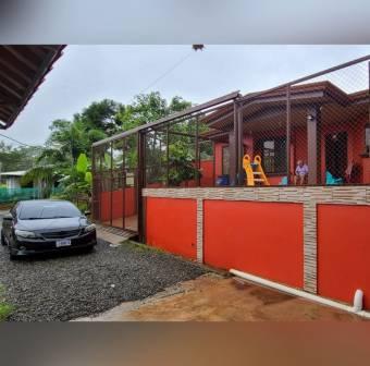 Casa en naranjito con 2 habitaciones.