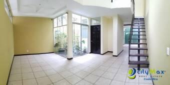 Se vende casa de 3 habitaciones en Villas de Ayarco