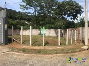 Se vende lote en Villas de Ayarco