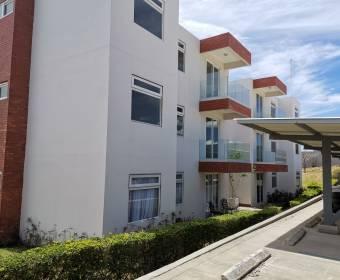 Beautiful apartment in the Vistas de Lindora condominium. Bank auction.