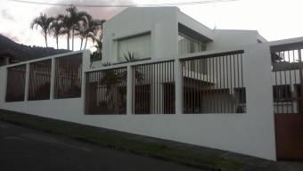Se Vende Hermosa Casa en Residencial en Escazú 21-68