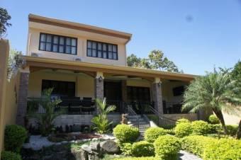 Se Vende Hermosa Casa en Santa Ana -21-995