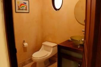 Se Vende Casa Mediterránea en Exclusiva Zona en Santa Ana 20-1465