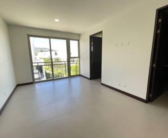 Hermosa casa nueva en condominio en Escazú.