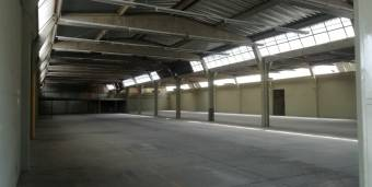 Se vende ó alquila Bodega Industrial en Cartago