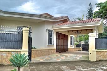 Casa de 4 Dormitorios en Cariari