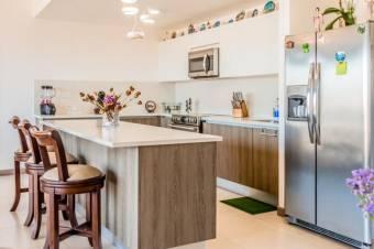 Se vende hermoso apartamento exclusivo en el sexto piso