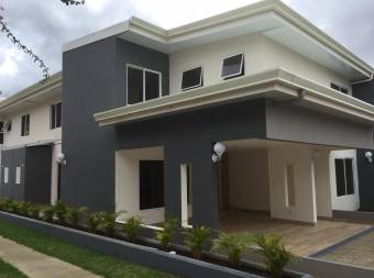 For sale, beautiful two-story House eat on condo at Lomas de Ayarco