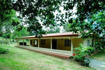 Hermosa propiedad en Laguna de Montes de Oro a la venta