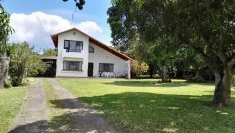 Property with house, Los Angeles de Santo Domingo, 2,173 sq. mtrs2