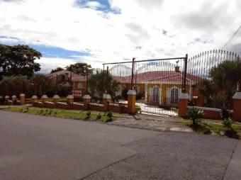 Preciosa Casa  en  SanRafaelEscazu.  En Venta   CG-20-1743