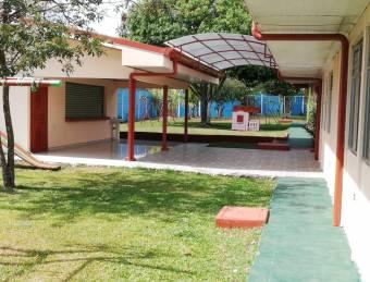 VENTA DE CENTRO EDUCATIVO TODO EQUIPADO EN DESAMPARADOS DE ALAJUELA