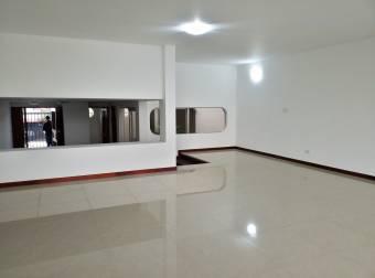 CityMax alquila amplia Casa en Rohrmoser con piscina