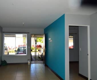 Hermoso apartamento en condominio en Alajuelita. Remate bancario.