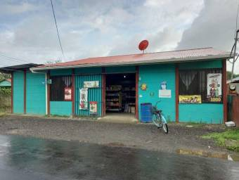 Commercial premises, with local machines and apartment for rent RAH 21-1695 FP, $ 195,000, 3, Limón, Pococí