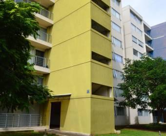 Beautiful apartment in condominium Oasis, Hatillo. Bank auction.
