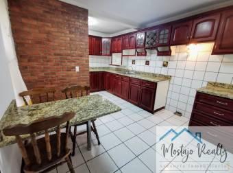 Alquiler apartamento en condominio, frente a la UCR San Pedro