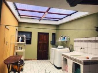 Bella casa a la venta en La Trinidad de Moravia #20-1178