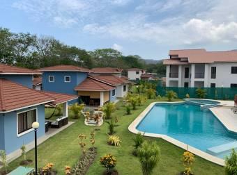 Empresa italiana con 27 años de experiencia, vende apartamentos nuevos en condominio con piscina