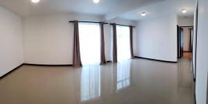 Estupendo apartamento en alquiler en Condominio Torres de Curridabat #20-1160
