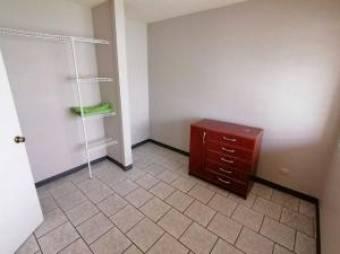 Amplio apartamento en alquiler en céntrico residencial de Tibás Centro. #20-1047