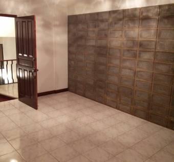 TERRAQUEA Excellent location in Barrio Geroma. Spacious 2 bedrooms