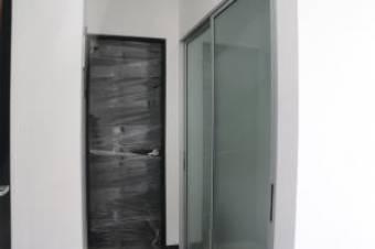 Venta de hermoso apartamento a estrenar en Condominio de Río Oro, Santa Ana. #20-1172