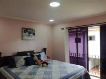 Venta estupenda casa en Condominio de Granadilla, Montes de Oca. #20-1204