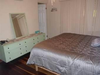 Casa amueblada en pequeño residencial de Atenas